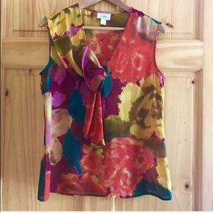 LOFT abstract bow front sleeveless blouse Sz M